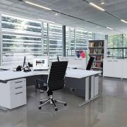 Cubit Aero contemporary desking